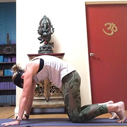 5 minutes of yoga a quick sequence to do when you're